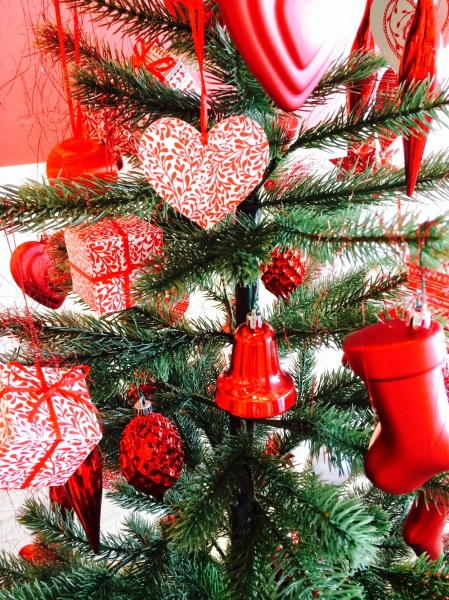 Where to buy christmas decorations in abu dhabi blessed for Christmas decorations where to buy